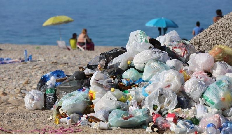 Caldo e rifiuti... Sicilia sommersa dai rifiuti